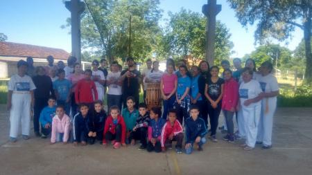 Capoeira do CRAS se apresenta na Escola Mathias
